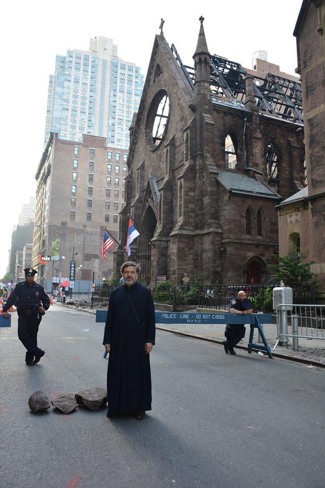 Izgorjela srpska crkva u Njujorku (foto: Milan Milatović/Facebook)