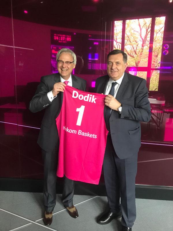 Dodik u Bonu (Foto: RTRS)