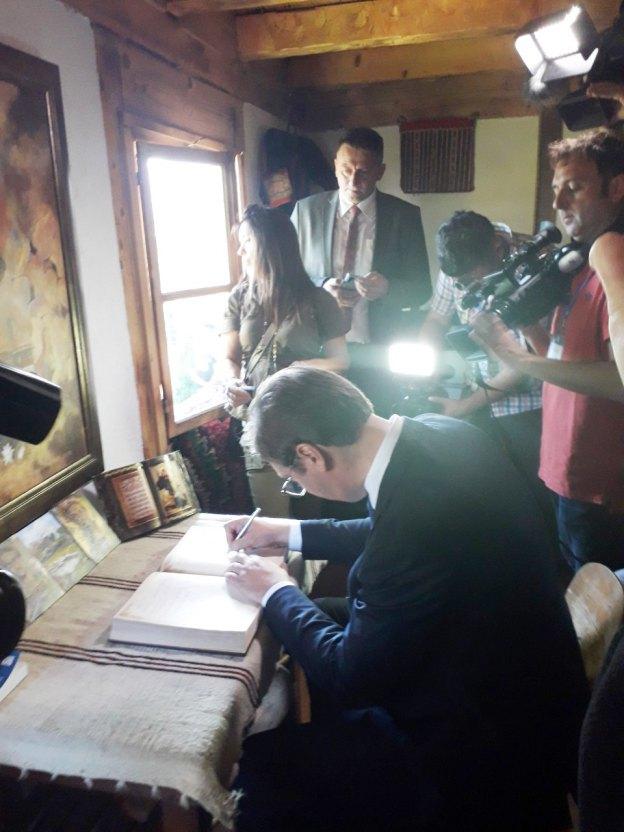 Вучић посјетио родну кућу Гаврила Принципа (Фото: РТРС)