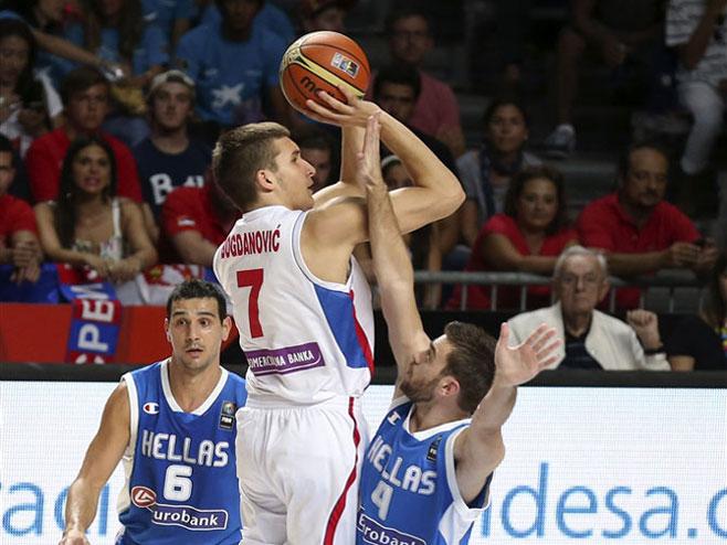 Stanković prati šut Bogdanovića - Foto: sportskacentrala.com