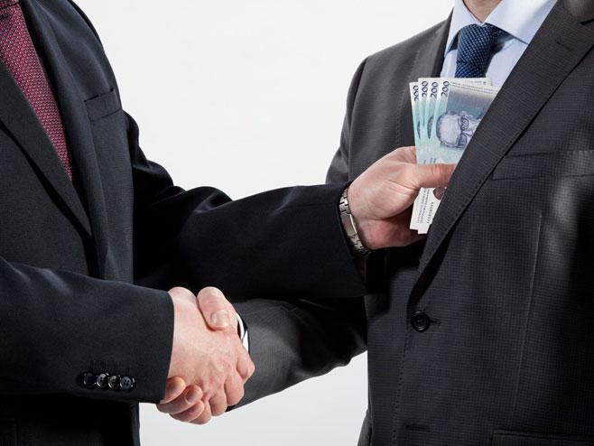 Корупција (илустрација) - Фото: РТРС