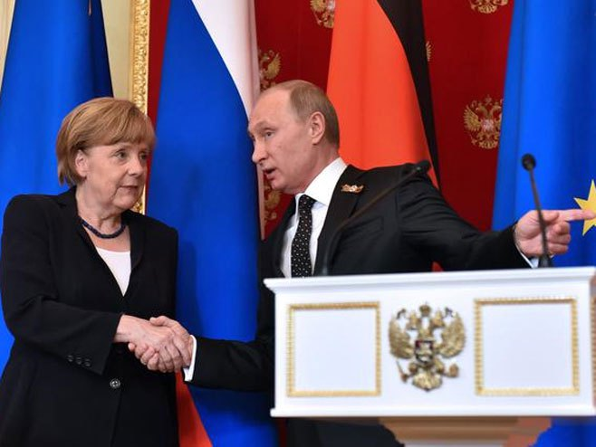 Angela Merkel, Vladimir Putin (arhiva) - Foto: Beta/AP