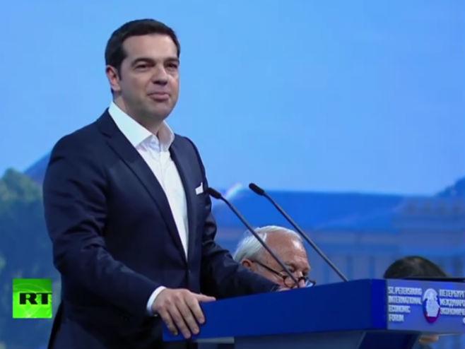 Cipras na forumu u Sankt Peterburgu - Foto: Screenshot