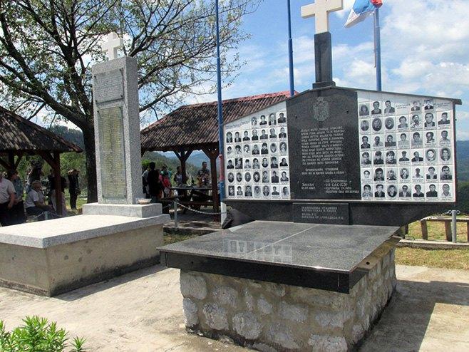 Спомен обиљежје у сребреничком селу Залазје - Фото: СРНА