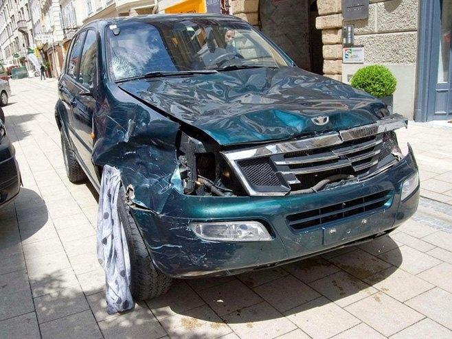 Грац - џип којим је нападач покосио људе