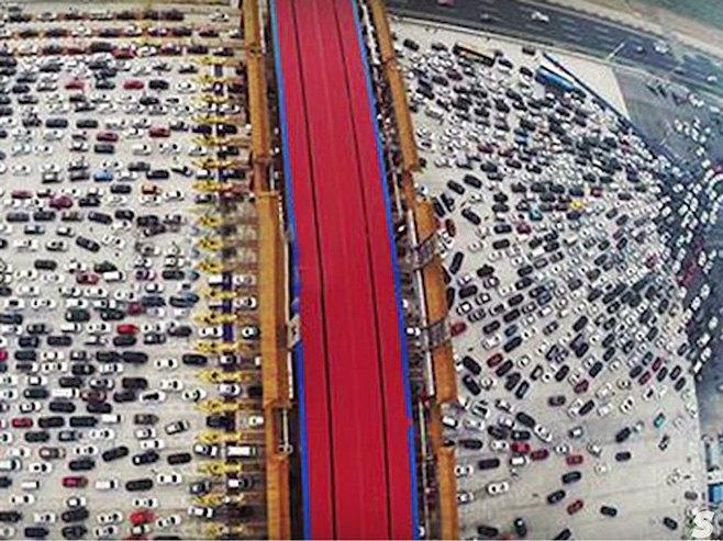 Kolaps u saobraćaju - Foto: Screenshot/YouTube