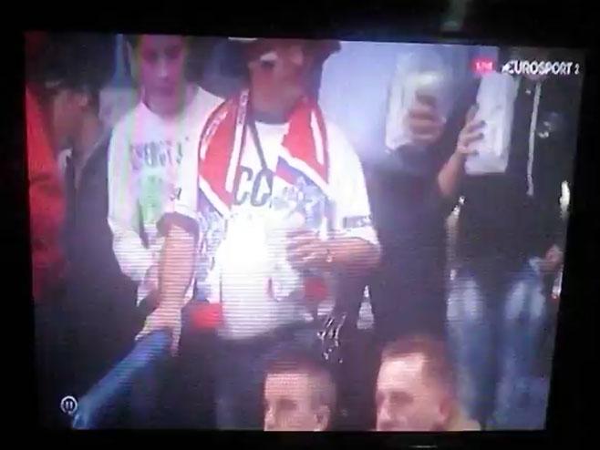 Pijani Rus nasmijao Beogradsku arenu - Foto: Screenshot/YouTube