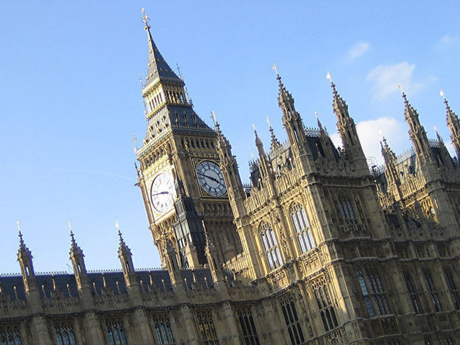 Британски парламент (Фото: Flickr/ Iain Farrell) -