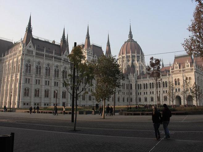 Будимпешта  (Фото:howitdoing.com) -