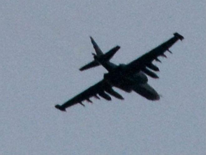Пали руски пилот убио двојицу терориста па себе (ВИДЕО)
