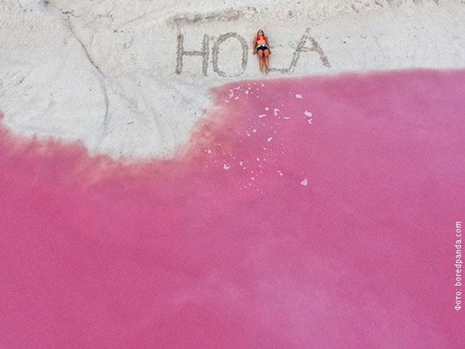 Нестварна, природно ружичаста лагуна у Мексику (Фото: РТС)