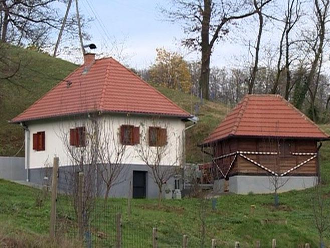 Обнова кућа на Мајевици 091200