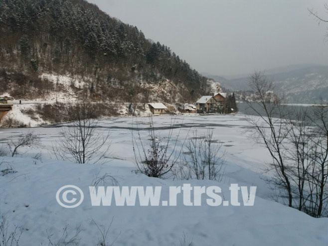 Заледило Зворничко језеро