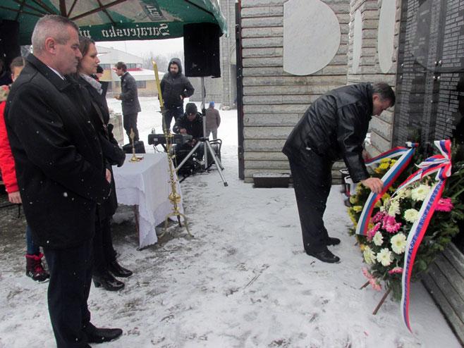 Скелани: Служен парастос Србима убијеним 1993.године (Фото: СРНА)