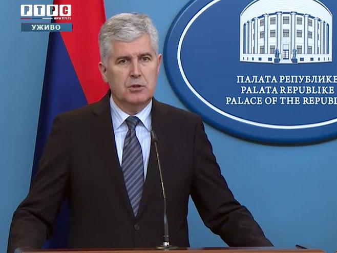 Драган Човић