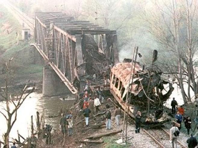 Bombardovanja željezničkog mosta u Grdelici (Foto: brzava.blogspot.rs)