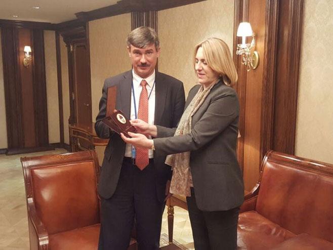 Цвијановић са руским представником УН (Извор Владе РС) -
