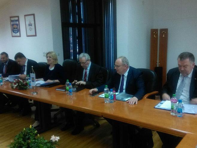Премијерка Цвијановић у Модричи (Фото: РТРС)