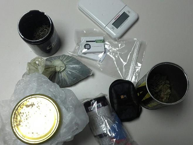Бањалука - приликом претреса куће пронађени марихуана, оружје, експлозив и муниција - Фото: СРНА