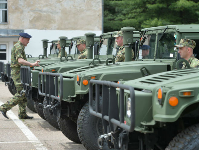 САД донирале Војсци Србије 19 хамвија - Фото: ТАНЈУГ