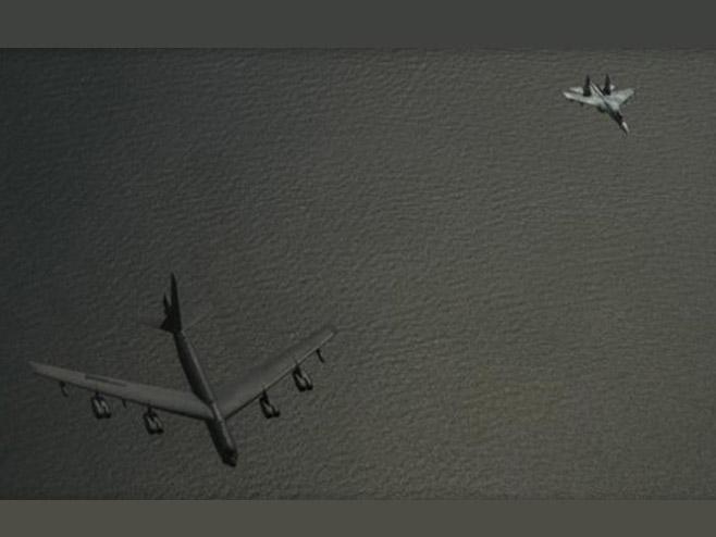 Блиски сусрет Су-27 и америчког бомбардера Б-52Х (Фото: Dvids defense video/Jonathan Snyder) -