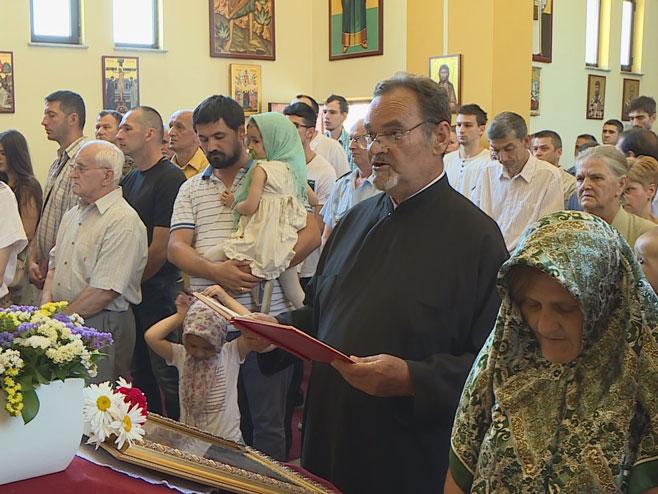 Парастос у цркви Лазарица (Фото: РТРС)