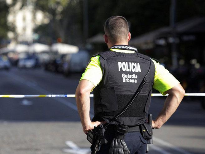 Барселона -полиција  (Фото:RT/twitter ) -
