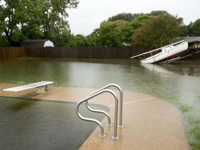 "Hjuston tropska oluja ""Harvi"" (foto:Tanjug-AP)"