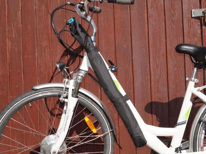 Mjesto na biciklu gdje bi kišobran bio odložen i spreman za upotrebu (Foto:newatlas.com)