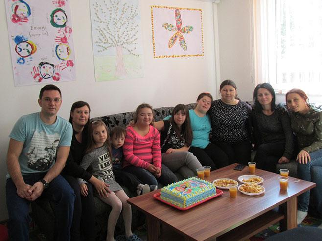 Шамац - посјета Удружењу грађана за помоћ лицима са посебним потребама (Фото: СРНА)