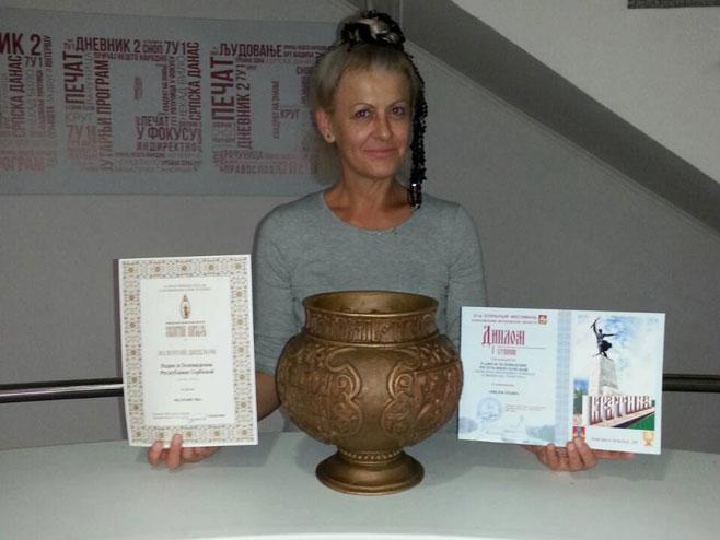 """Милана Мајар - награде РТРС-у за филм """"С руба памети"""""""