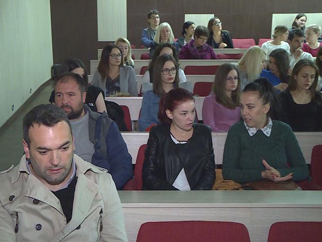 Денис Бојић на пројекцији филма (Фото: РТРС)