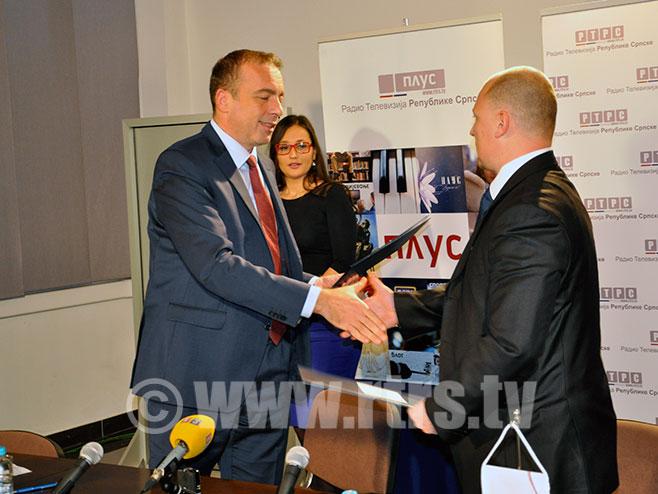 Potpisivanje ugovora: Draško Milinović i Branko Dakić