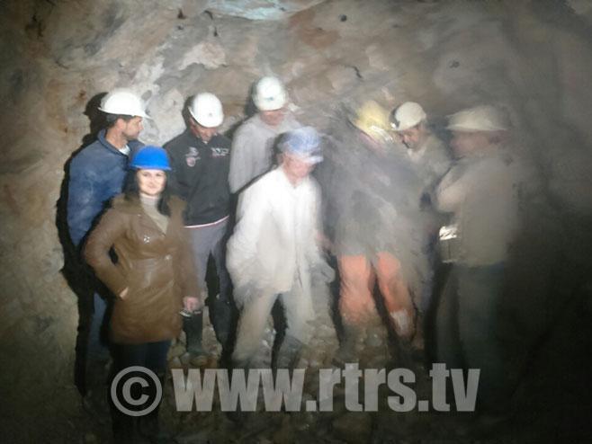 Пробијен је тунел испод Билеће (ВИДЕО)