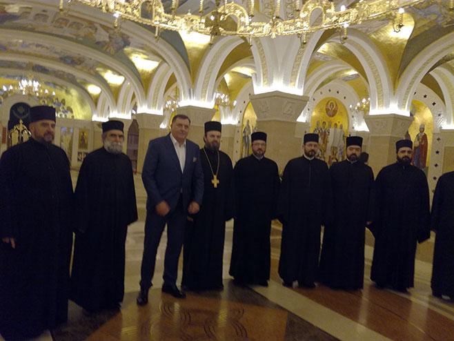 Predsjednik Srpske posjetio Hram Svetog Save u Beogradu (Foto: SRNA)