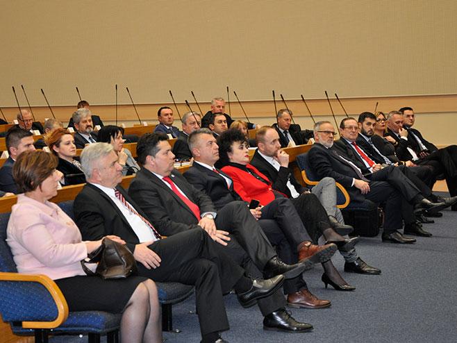 """Филм """"Лица лафоре"""" приказан народним посланицима (Фото: РТРС)"""