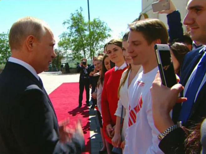 Putin sa volonterima izborne kampanje