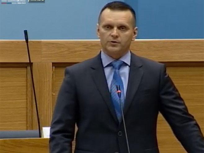Министар МУП-а Српске Драган Лукач у НСРС