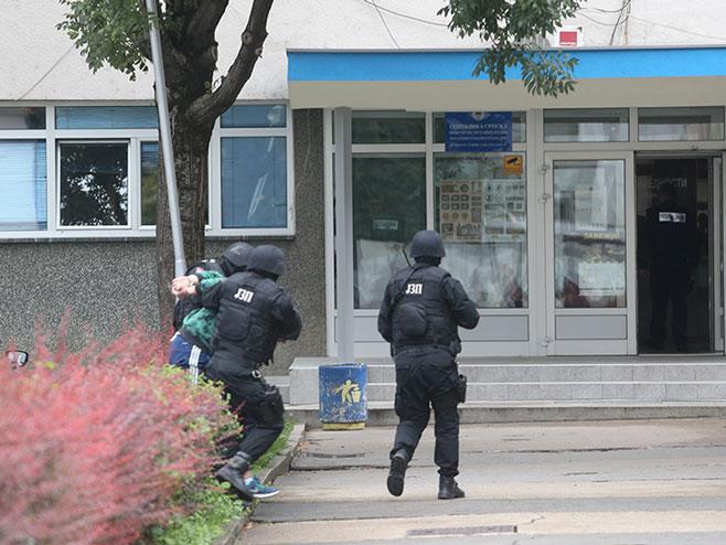 """BAnjaluka: Privođenje uhapšenih u akciji """"Arsenal"""" (Foto: Dejan Božić/RAS Srbija)"""