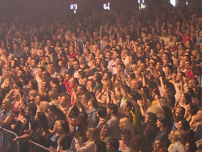 Džibonijev koncert na Kastelu (Foto: RTRS)