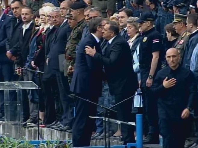 Vježba u Kraljevu- Dodik i Vučić (Foto: RTRS)