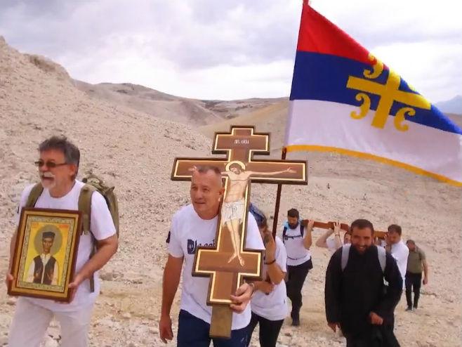 Јадовно- Поново постављен спомен-крст (Фото: РТРС)