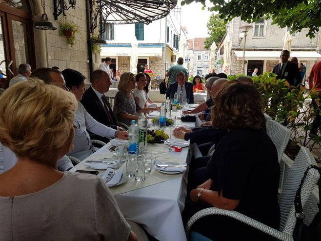 Cvijanovićeva sa predstavnicima vladajuće koalicije
