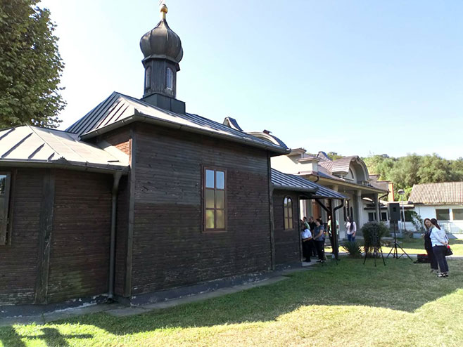 Руска црква, Угљевик