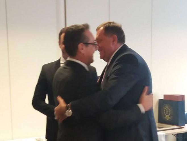 Predsjednik Srpske Milorad Dodik sa vicekancelarom Austrije Hajncom Kristijanom Štraheom (Foto: RTRS)