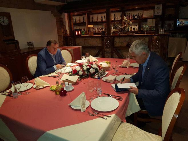 Neformalni susret Dodika i Čovića u Banjaluci (Foto: RTRS)