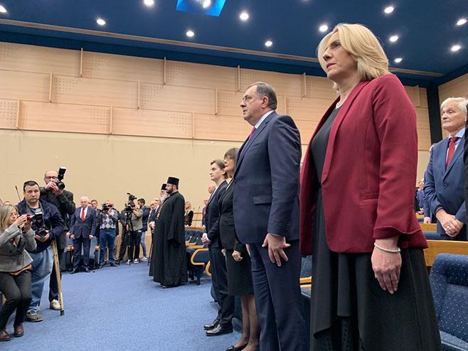Milorad Dodik i Željka Cvijanović (Foto: RTRS)