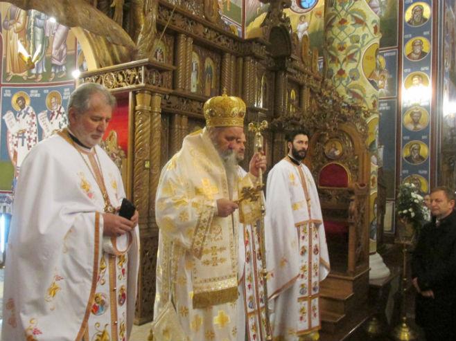 Епископ Фотије на божићној литургији (Фото: Срна)