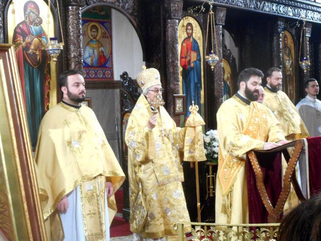 Епископ Јефрем на божићној литургији (Фото: Срна)