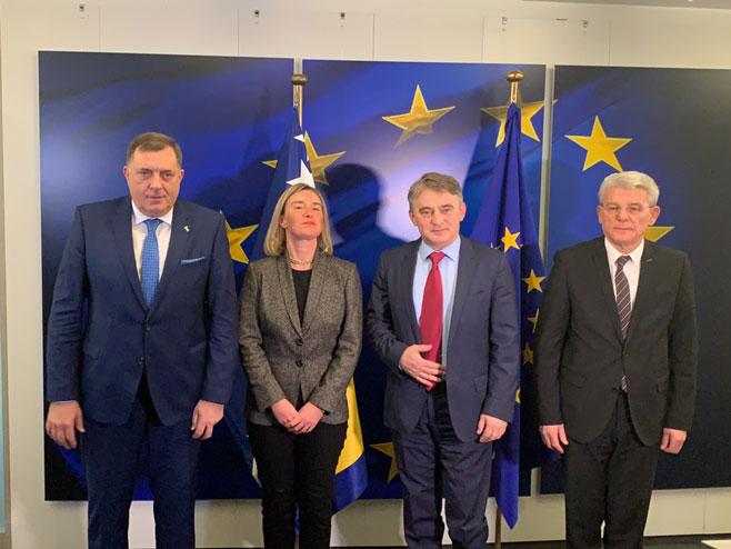 Dodik, Komšić i Džaferović sa Mogerinijevom (Foto: RTRS)